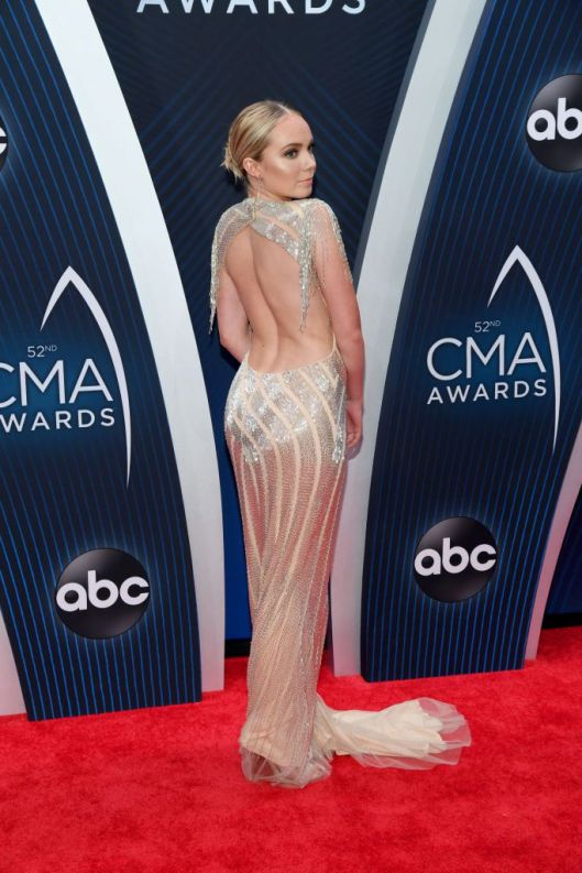This is one of the most stunning looks from the American Country Music Awards! #CMA #countrymusicawards #awardshow #countrymusic #countrymusicstar #celebstyle #celebritystyle #celebfashion #redcarpetfashion #redcarpetlooks #redcarpetstyle #americancountrymusicawards