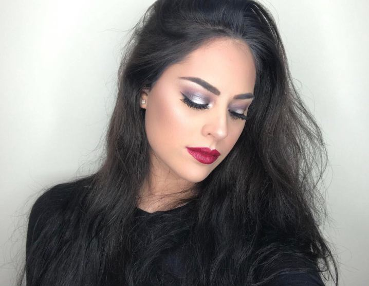 This is one of the cool makeup looks that you need to try! #makeuptrends #easyeyemakeup #stunningmakeuplooks #makeupapplication #beautytips #coolmakeuplooks #gorgeousmakeuplooks #easymakeuplooks #cutemakeuplooks