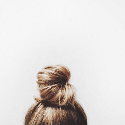 This is one of the easy pretty hairstyles we love! #easyprettyhairstyles #cutehairstylesformediumlengthhair #newhairstylesforladies #newhairstylesforlonghair #prettyhairstylesforschool #prettyhairstylesforlonghair #prettyhairstylesforshorthair #prettyhairstyles #newhairstyles #trynewhairstyles #hairstyles #hair #hairdo