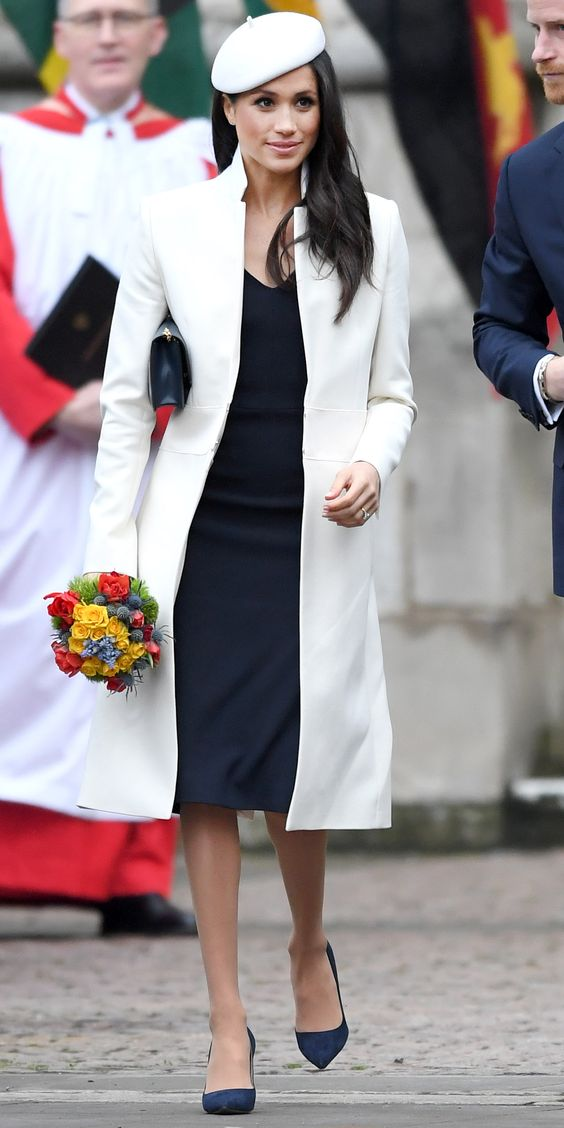 These Meghan Markle outfits are classic and chic! #DuchessOfSussex #MeghanMarkle #RoyalTour #Royals #MeghanMarkleoutfits #MeghanMarklefashion #MeghanMarklestyle